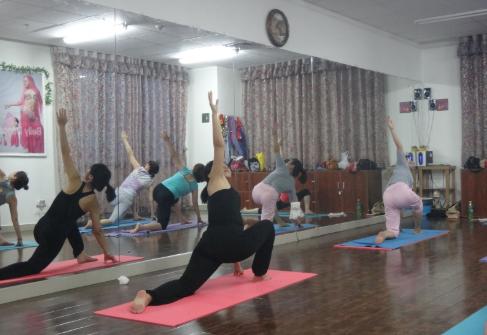 有哪些可以排毒瘦身的瑜伽 瑜伽动作分享