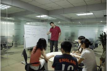 工作后职场英语该怎么提高 英语学习