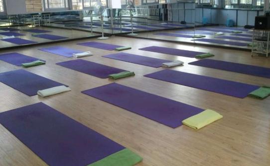 练习瑜伽反而变胖是怎么回事 瑜伽动作分享