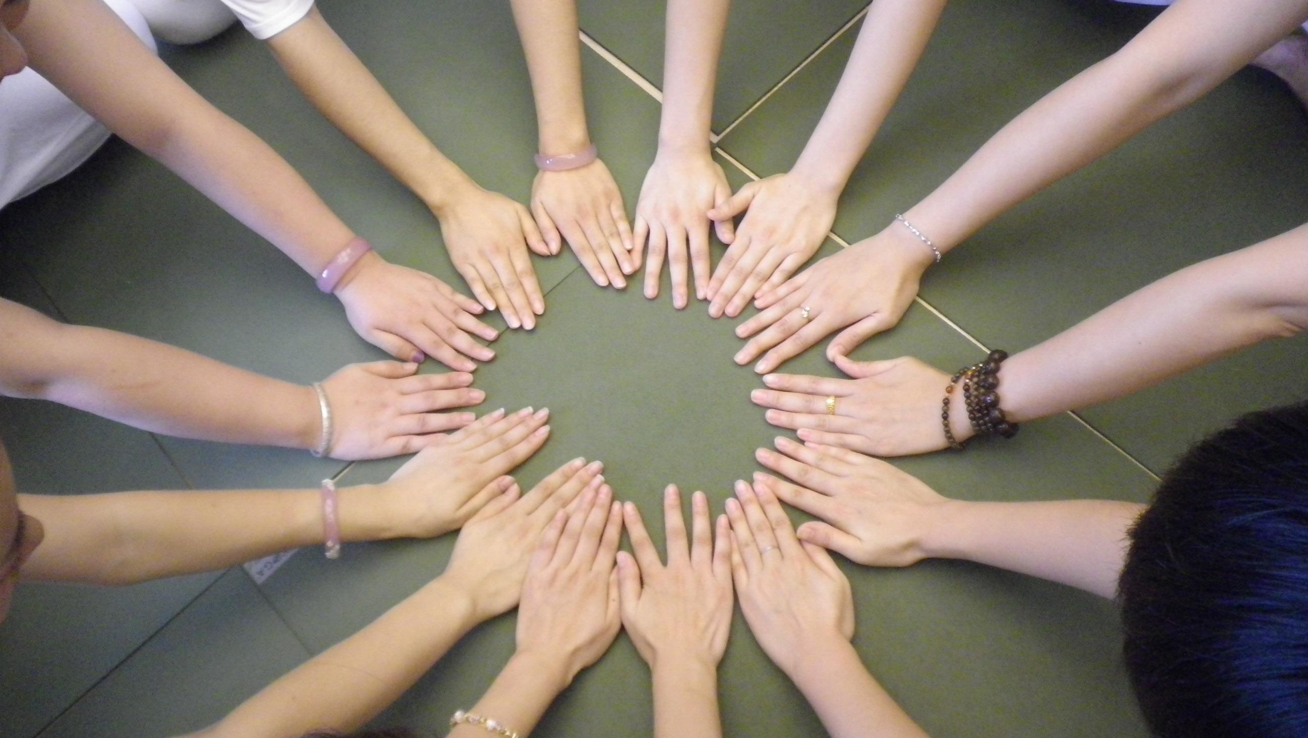 快速瘦手臂的瑜伽体式练习分享   瑜伽动作