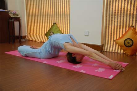 这四个瑜伽体式治失眠又减脂 瑜伽练习
