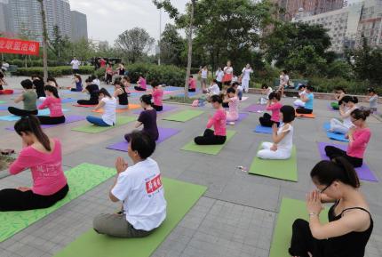 让你越来越年轻的瑜伽深蹲体式 瑜伽练习