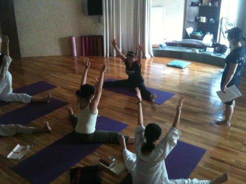 打造小蛮腰的瑜伽动作 柔软瑜伽