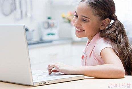 少儿英语哪个机构好  如何让孩子在线上愉快学习英语?