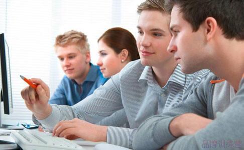 网上商务英语真人外教一对一哪家好?挑选看四点就够了