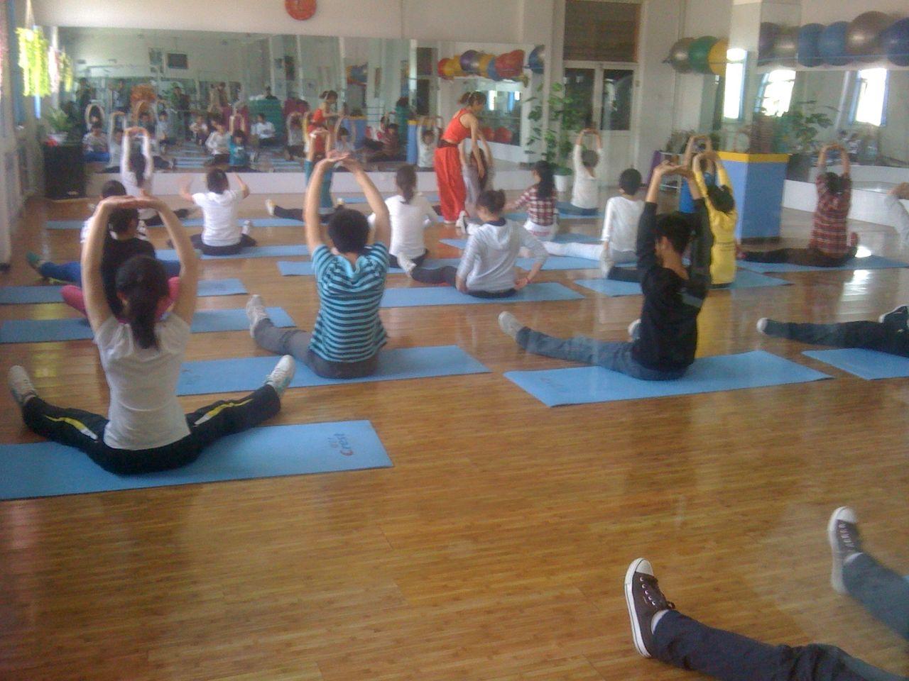 润体去燥的瑜伽动作 瑜伽体式