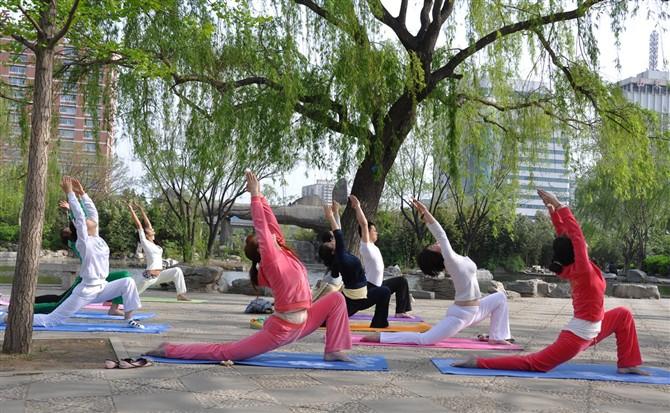简单有效的瘦腹瑜伽体式 瑜伽动作