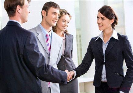 网上许多免费学习商务英语资源,咱们还需要报英语培训吗?