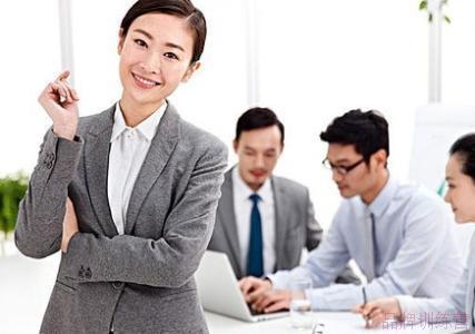 学习商务英语是自学效果好仍是培训班效果好?
