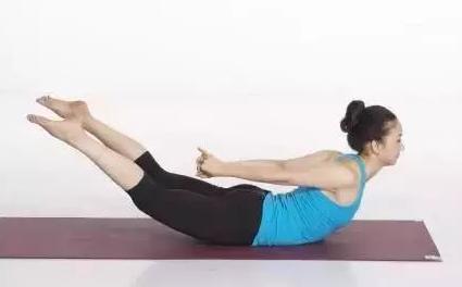 5个瑜伽体式轻松搞定2肩颈堵塞僵硬的问题