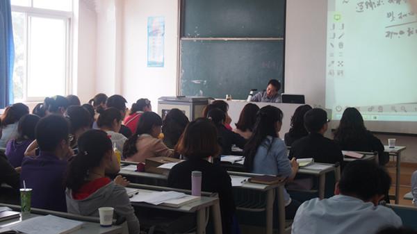 考研中不同专业英语数学如何选呢    考研初试