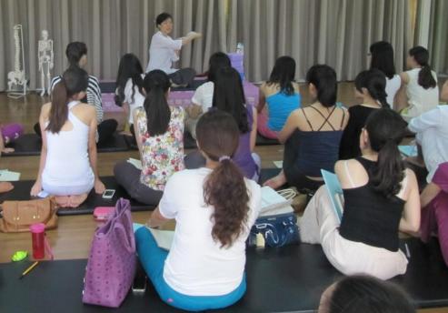 减肥效果好的瑜伽体式 瑜伽动作