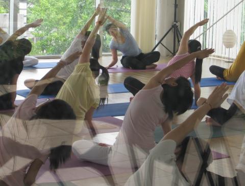 快速瘦腿瑜伽体式 瑜伽动作